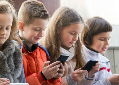 an-age-by-age-guide-for-when-your-kid-should-get-a-smartphone-1024x576-1520885265